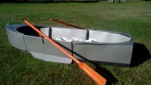 Pārdod vienvietīgu laivu
