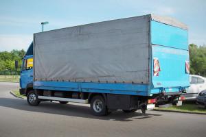 Kravu pārvadājumi pa Rīgu, Latviju. Tents+lifts+ rokla